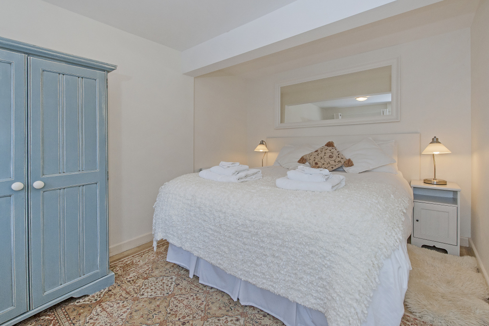 Tucking Mill View - Luxury self-catering cottage bedroom