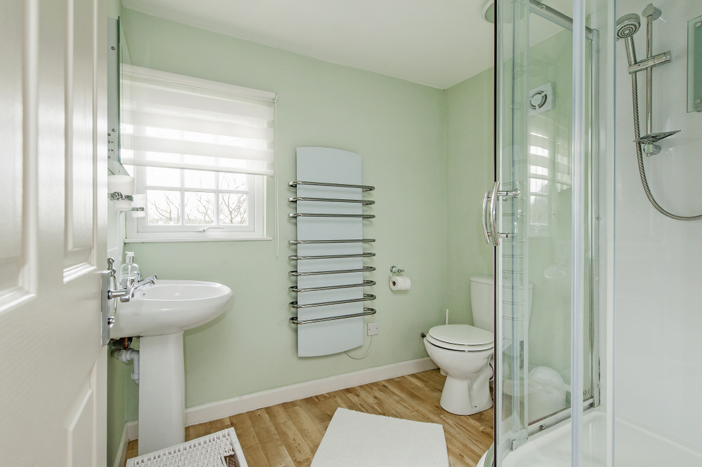 Tucking Mill View - Luxury self-catering cottage bathroom