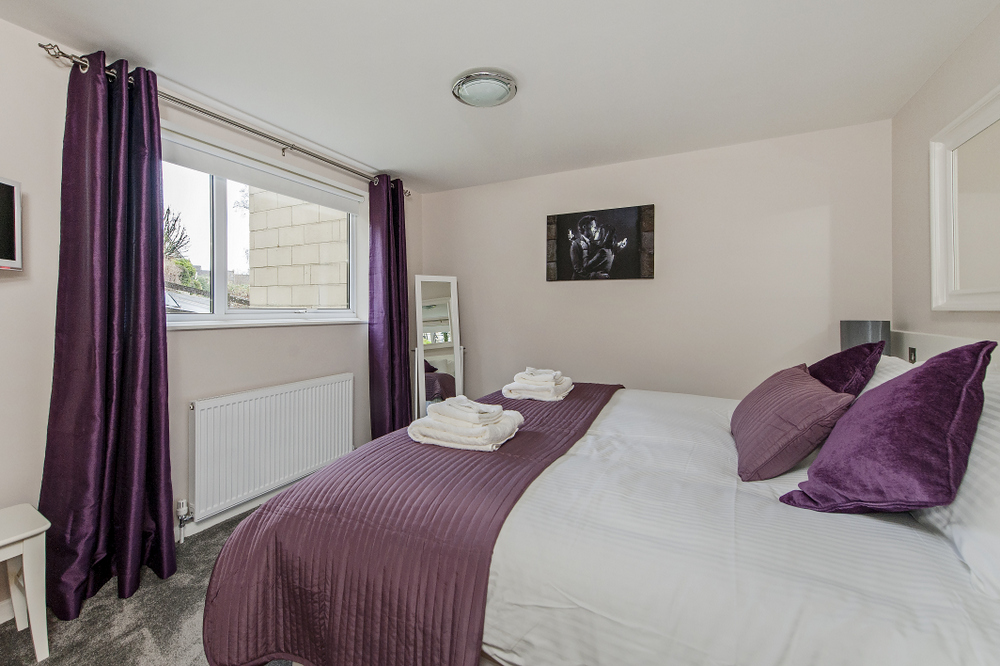 Hedgemead Court luxury self-catering apartment in Bath city centre - Bedroom