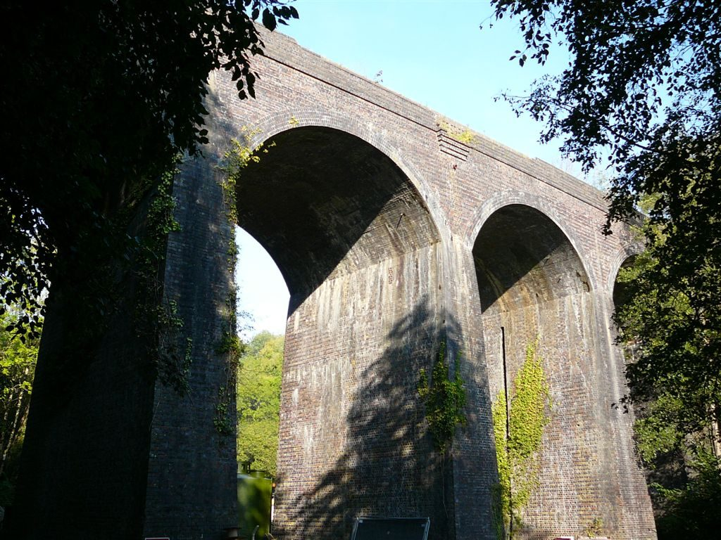 Self catering accommodation nearby sights like the Tucking Mill Viaduct near the reservoir