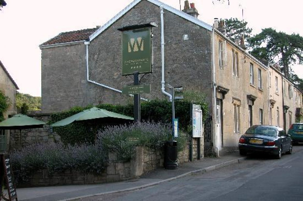 Vai a visitare il Wheelwright Arms a Monkton Combe - Pubs by the River